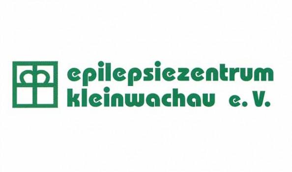 grünes Logo mit Text Epilepsiezentrum Kleinwachau e.V., links daneben das Symbol des diakonischen Kronenkreuzes